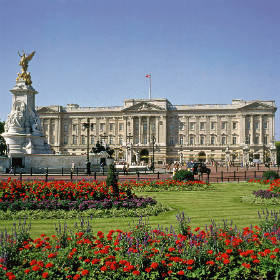 Buckingham Palace State Rooms London Breaks