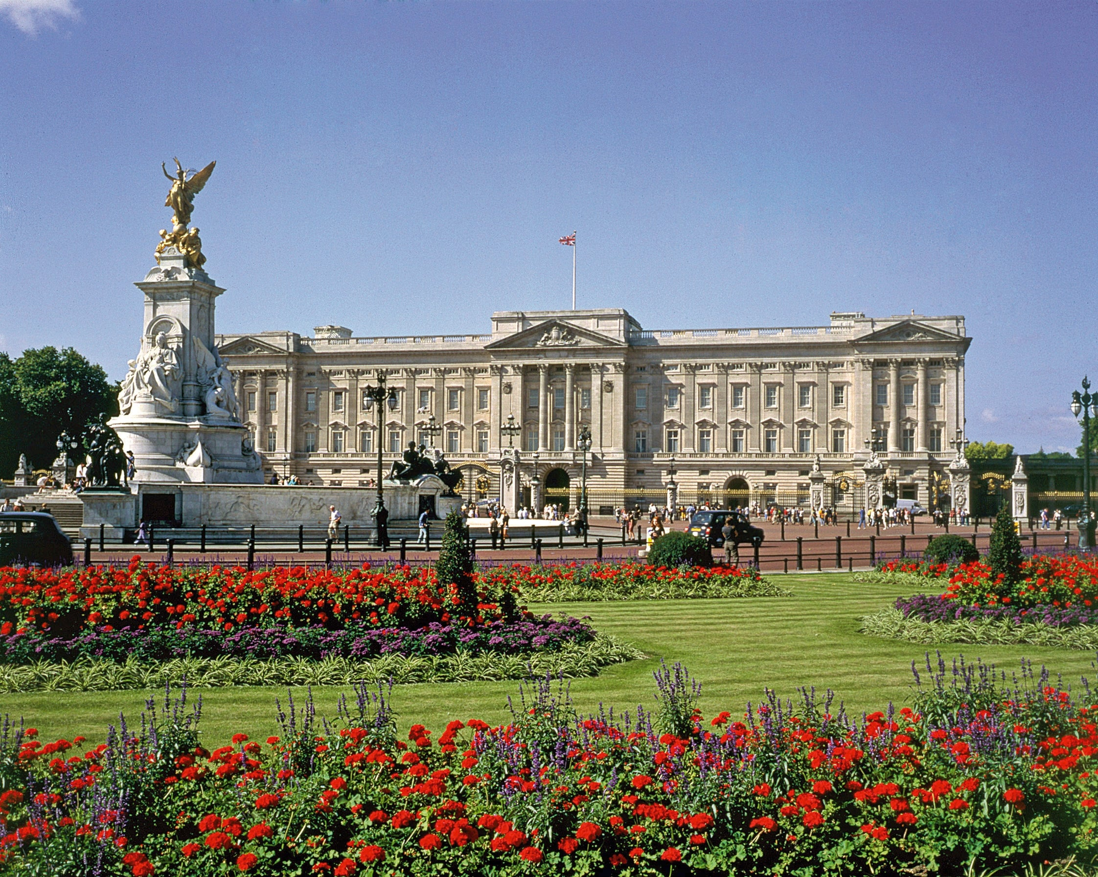 Buckingham Palace & Stonehenge