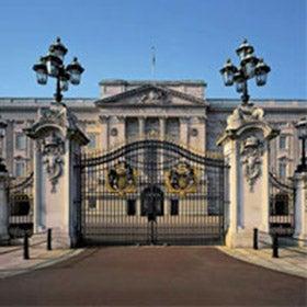 Buckingham Palace & Extended Stonehenge Tour